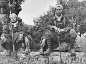 Les Goumiers marocains.
